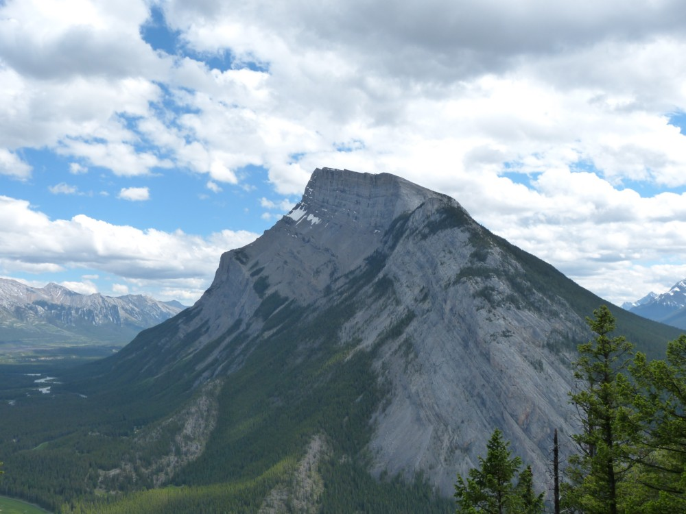 Mount-Rundle-Banff-Kanada-Rocky_Mountains
