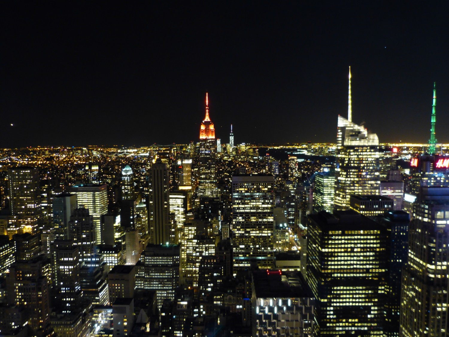 ausblick-manhatte-rockefeller-center-bei-nacht-new-york-city