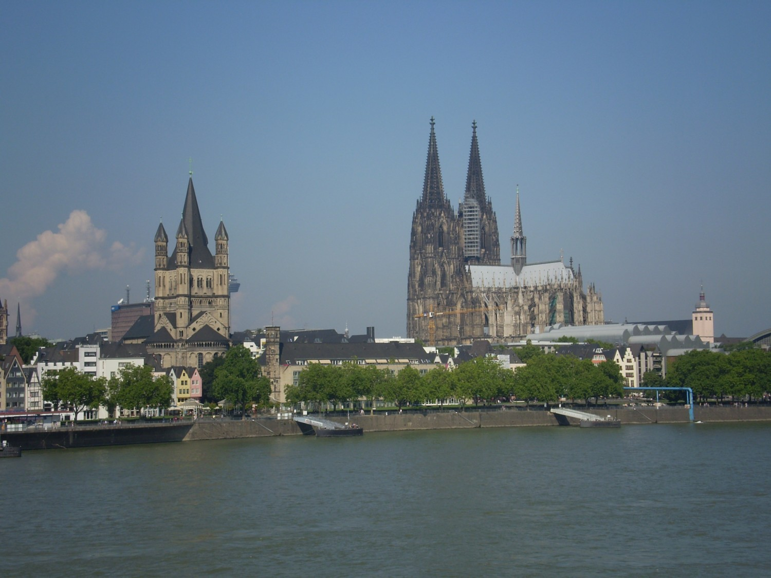 Cologne-medieval-city-with-a-magnificent-cathedral-www.anirishmanontour.com-2.jpg