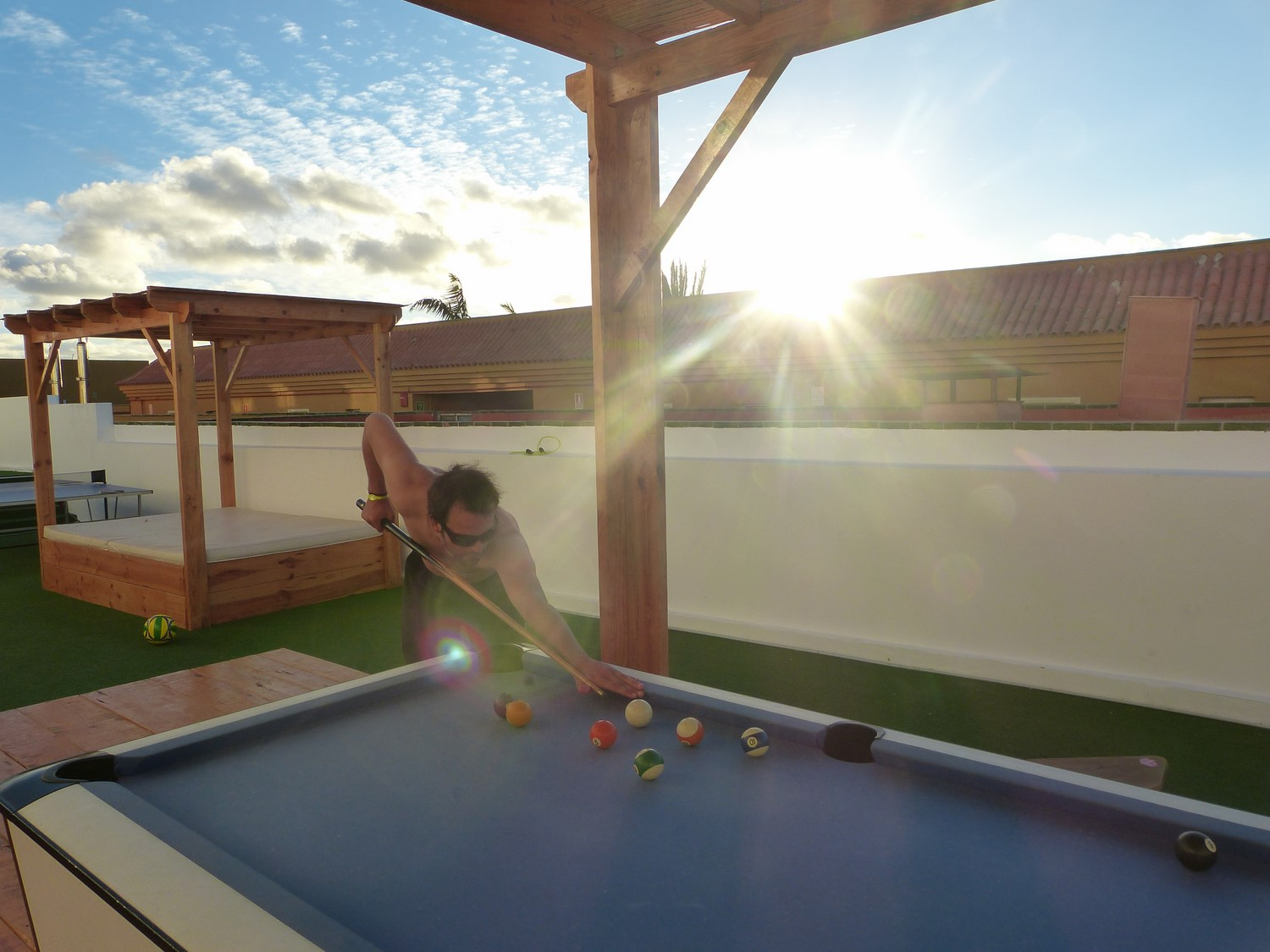 Pool-Billiard-Planet-Surfcamps