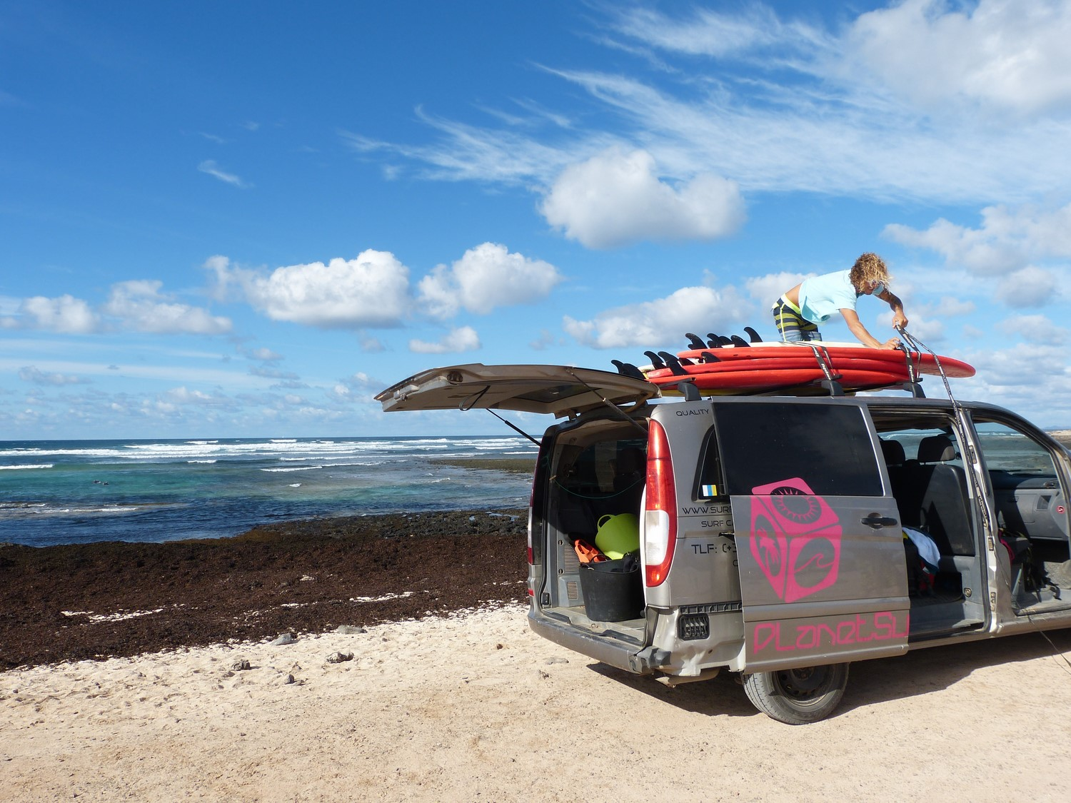 Surfvan-Planet-Surfcamps
